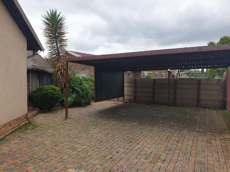 House For Sale in Dersley, Springs