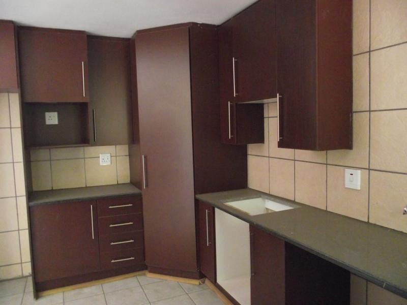 Duplex For Sale in Deneysville, Deneysville